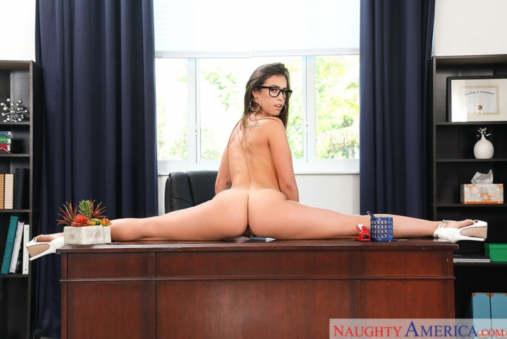 [naughtyamerica]2017-12-22 Naughty Office